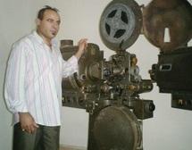 Entretien avec le critique et scénariste Mohamed Chouika : L'écriture est le couronnement d'un long processus cognitif