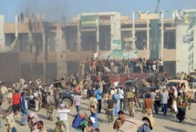 Les insurgés contrôlent le QG de Kadhafi mais pas toute la Libye