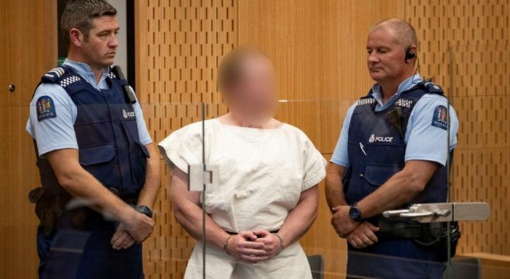 Le tireur des mosquées néo-zélandaises devra répondre de 50 chefs de meurtre