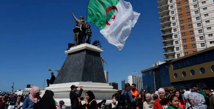 Après les magistrats, des maires refusent d'organiser la présidentielle en Algérie