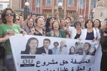 Le mouvement féminin manifeste devant le Parlement au nom de la parité : Stop à l'exclusion organisée par la loi