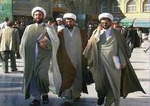 Le Moyen-Orient entre Sunnites et Chiites : Les monarchies du Golfe confrontées au danger confessionnel