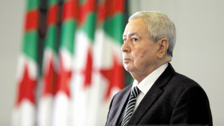 Le président algérien par intérim propose un dialogue sans participation de l'Etat