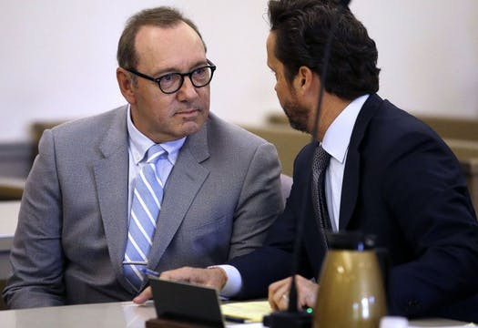 L'accusateur de Kevin Spacey abandonne son action au civil
