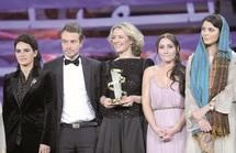 """Palmarès du onzième Festival international du film de Marrakech : L'Etoile d'or attribuée au film danois """"Out of bounds"""""""