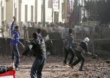 Gouvernement et manifestants échangent des accusations : La place Tahrir à feu et à sang