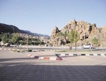 Quand indifférence et incompétence vont de pair à Azrou : Un parking désespérément en panne
