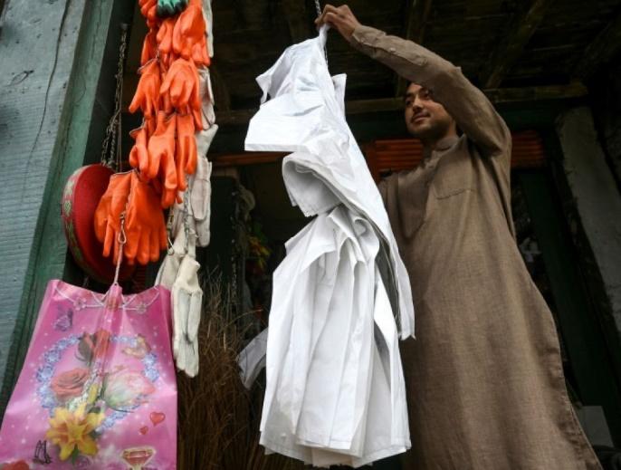 Au Pakistan, un amour immodéré pour le sac en plastique