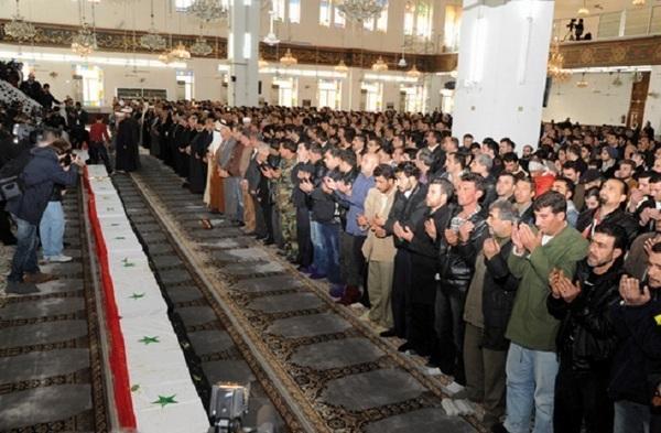 Présentation du rapport des observateurs arabe : Les tueries se poursuivent en Syrie