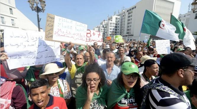 Les étudiants algériens dans la rue pour la 26ème semaine