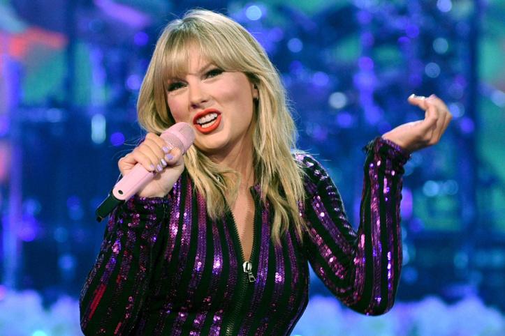 Taylor Swift célèbre de nouveau l'amour dans son dernier album