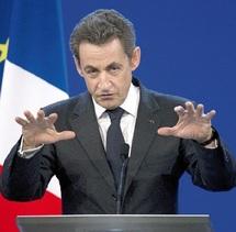 Sarkozy tente de redresser la cote de sa popularité  : Le président rencontre les partenaires sociaux