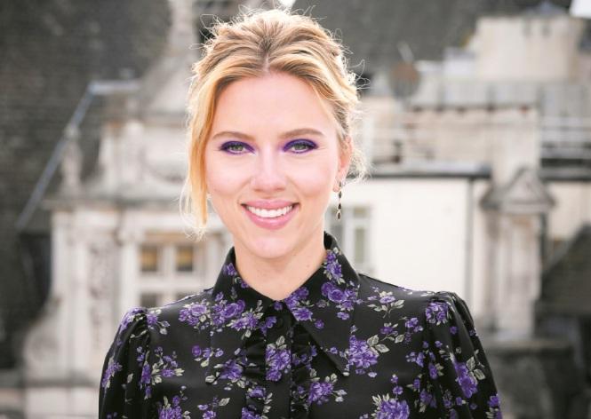 La fille de Woody Allen s'en prend à Scarlett Johansson — Dylan Farrow