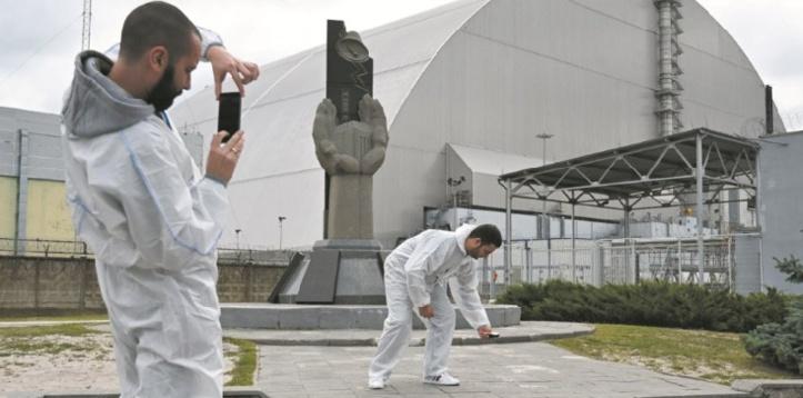 Des selfies dans les décombres de Tchernobyl