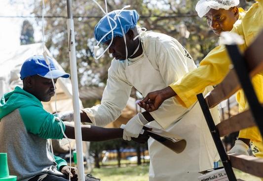Au Zimbabwe, les hôpitaux publics à l'agonie, héritage des années Mugabe