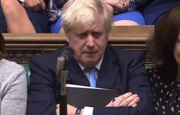 Boris Johnson vilipendé après un rapport sur l'impact d'un Brexit sans accord