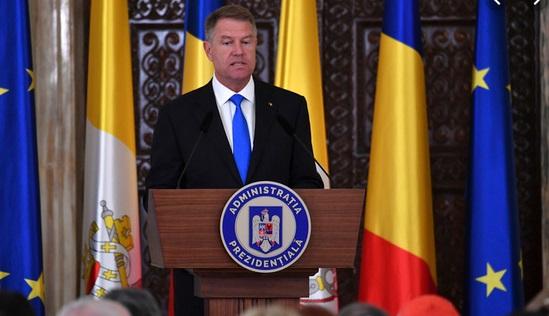 Le gouvernement roumain joue sa survie au Parlement