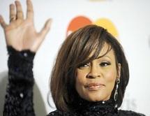 La «Voix» de la déesse de la pop s'est éteinte à tout jamais : Whitney Houston décède à la veille des Grammy Awards