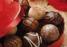 La Saint-Valentin célébrée aujourd'hui : De l'amour et des enjeux commerciaux