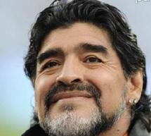"""Maradona se sent """"persécuté"""" par le fisc italien"""