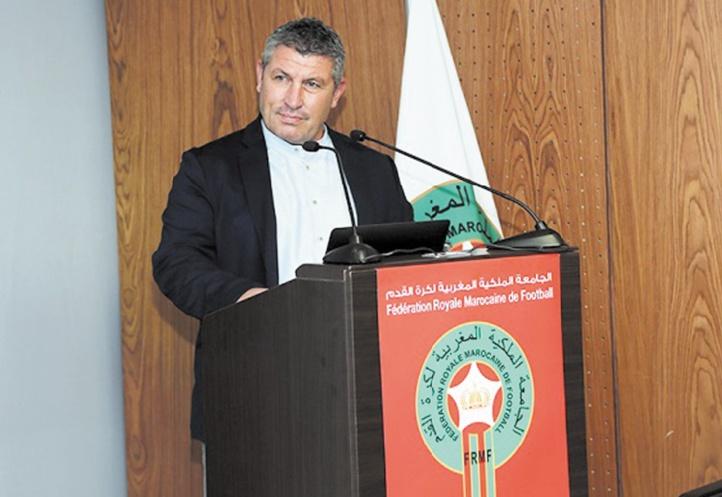Osian Roberts : La formation des techniciens, une nécessité pour le développement de la pratique du football national