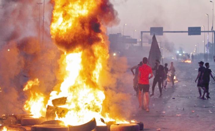Bagdad défie le couvre-feu, nuit de violence à Kerbala