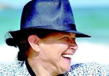 Tata Milouda, l'immigrée clandestine propulsée en artiste de la vie