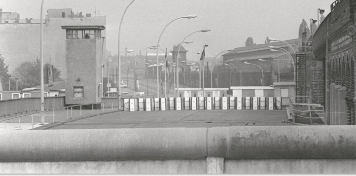 Trente ans après sa chute, le Mur de Berlin reconstruit en réalité virtuelle