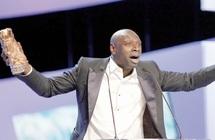 """Omar Sy reste intouchable : Le triomphe de """"The Arist"""" aux Césars 2012"""
