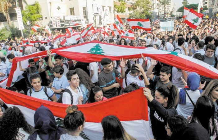 Ecoliers et étudiants mobilisés pour poursuivre la contestation au Liban