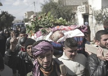 Les bombardements sur Homs se poursuivent : Réunion des pays du Golfe avec la Russie consacrée à la Syrie