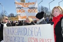 Crise économique en Grèce : Athènes évite la sortie de route incontrôlée