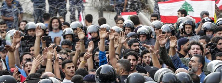Le Parlement libanais reporte l'examen de lois controversées fustigées par la rue