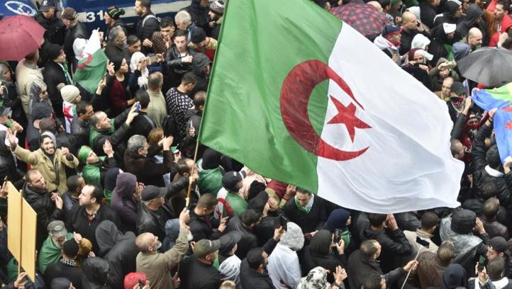 Nouvelles protestations contre la présidentielle algérienne au troisième jour de campagne