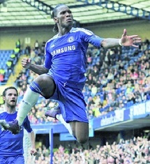 Chelsea assure l'essentiel at home : 100ème but de Drogba en Premier League