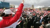 La répression se poursuit en Syrie : Démonstration de force du régime au 1er anniversaire de la révolte