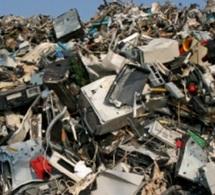 Les déchets électroniques bientôt plus nombreux en Afrique qu'en Europe
