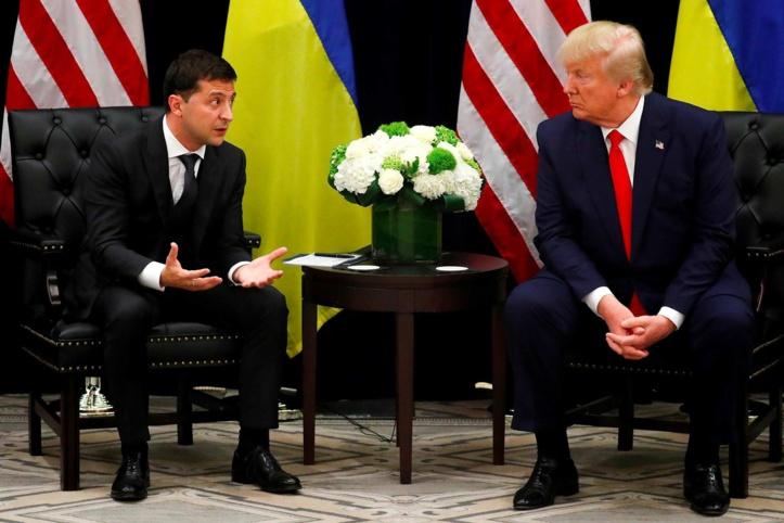 """Le président ukrainien nie tout """"donnant-donnant"""" avec Trump"""
