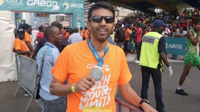 Hicham El Guerrouj court pour promouvoir les valeurs du sport au marathon du Gabon