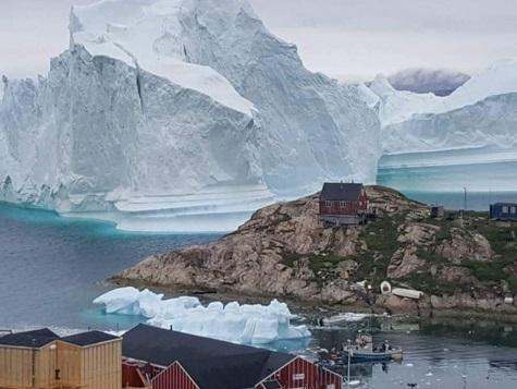 La glace du Groenland fond de plus en plus