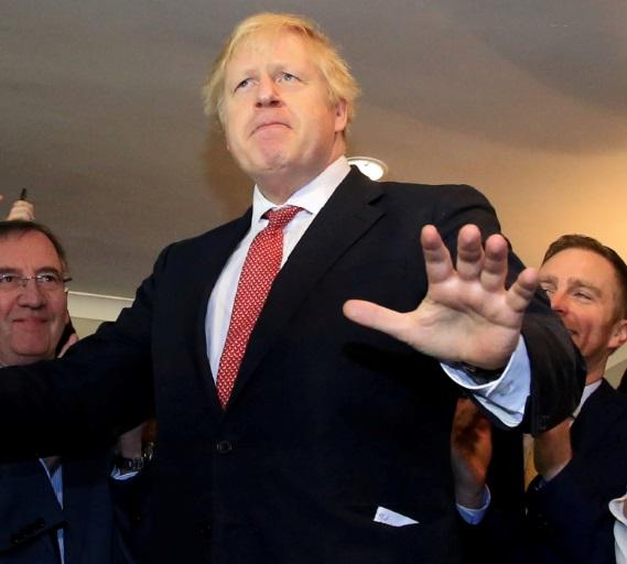 Après sa victoire, Johnson met son équipe en marche pour le Brexit