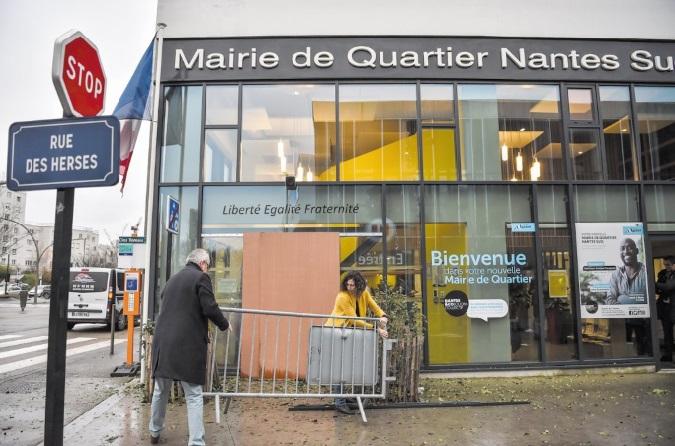 Explosion sur une mairie annexe de Nantes