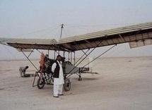 Un Afghan lance le concept du drone pas cher et pacifique