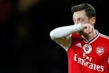 Özil retiré d' un jeu vidéo en Chine après des propos polémiques