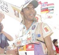 Parution: «Marathonien des sables, Lahcen Ahansal, enfant nomade et star du désert»