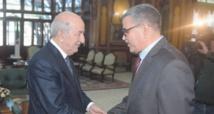 Un universitaire au poste de Premier ministre en Algérie
