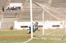 Le Stade Marocain s'enfonce : Statu quo en tête du peloton