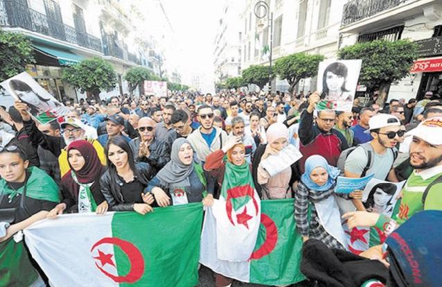 Les étudiants algériens manifestent pour la 46ème semaine contre le pouvoir
