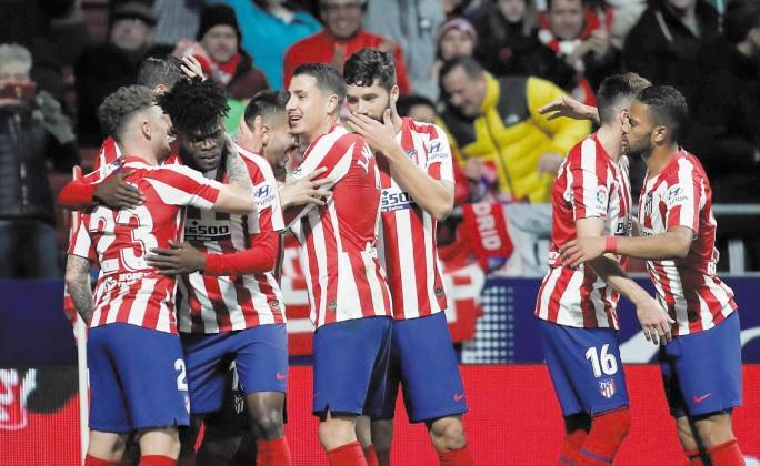 Supercoupe d'Espagne : L'Atlético s'offre le Barça et retrouvera le Real en finale