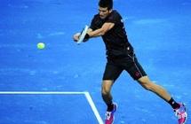 Djokovic en mode redémarrage à Madrid : Les critiques fusent sur la terre battue bleue